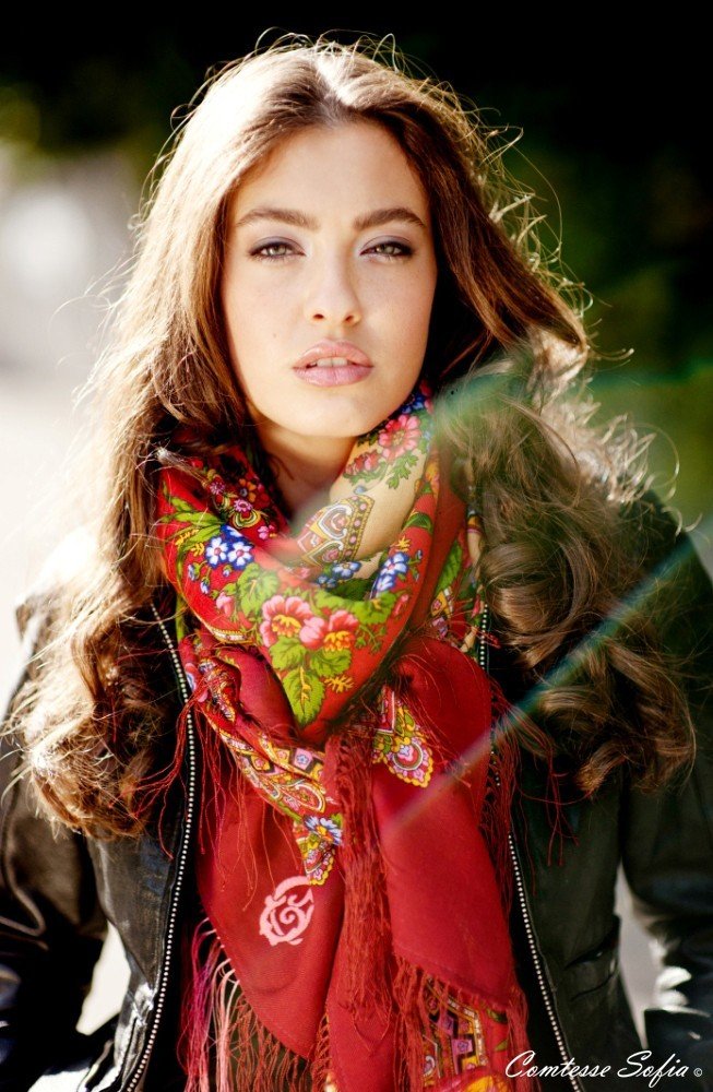The best scarves of the world is using in Turkmen people ...